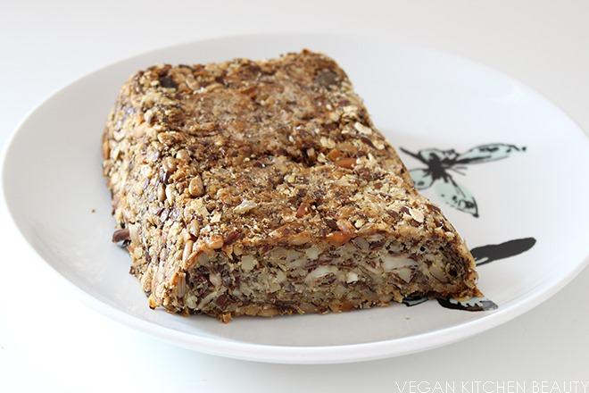 lifechangingbread_thumb Rezept | Flohsamen Brot - komplett ohne Mehl!