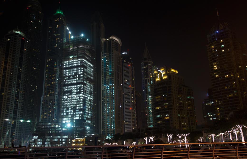 dubai-marina-hafen-2 5 Sehenswürdigkeiten die ihr euch in Dubai nicht entgehen lassen solltet