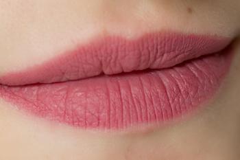 rival-de-loop-matt-lasting-lip-gloss-trendsetter-5