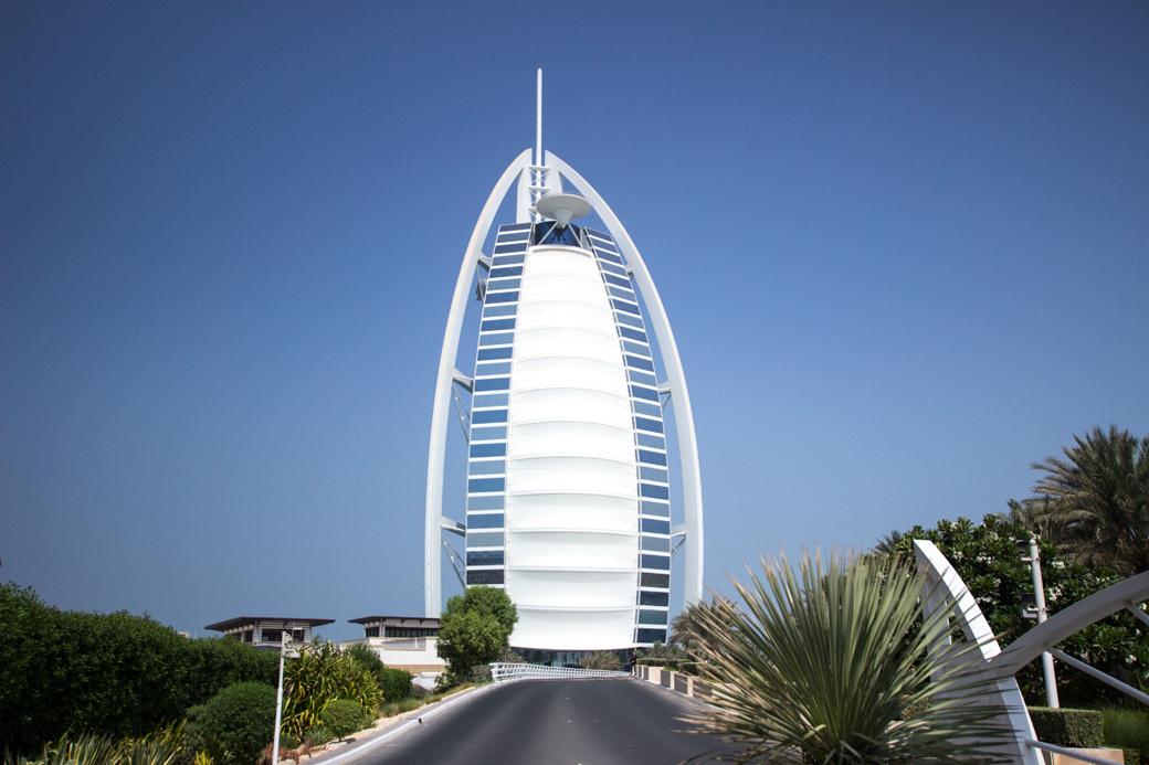 burj-al-arab-dubai-2 5 Sehenswürdigkeiten die ihr euch in Dubai nicht entgehen lassen solltet