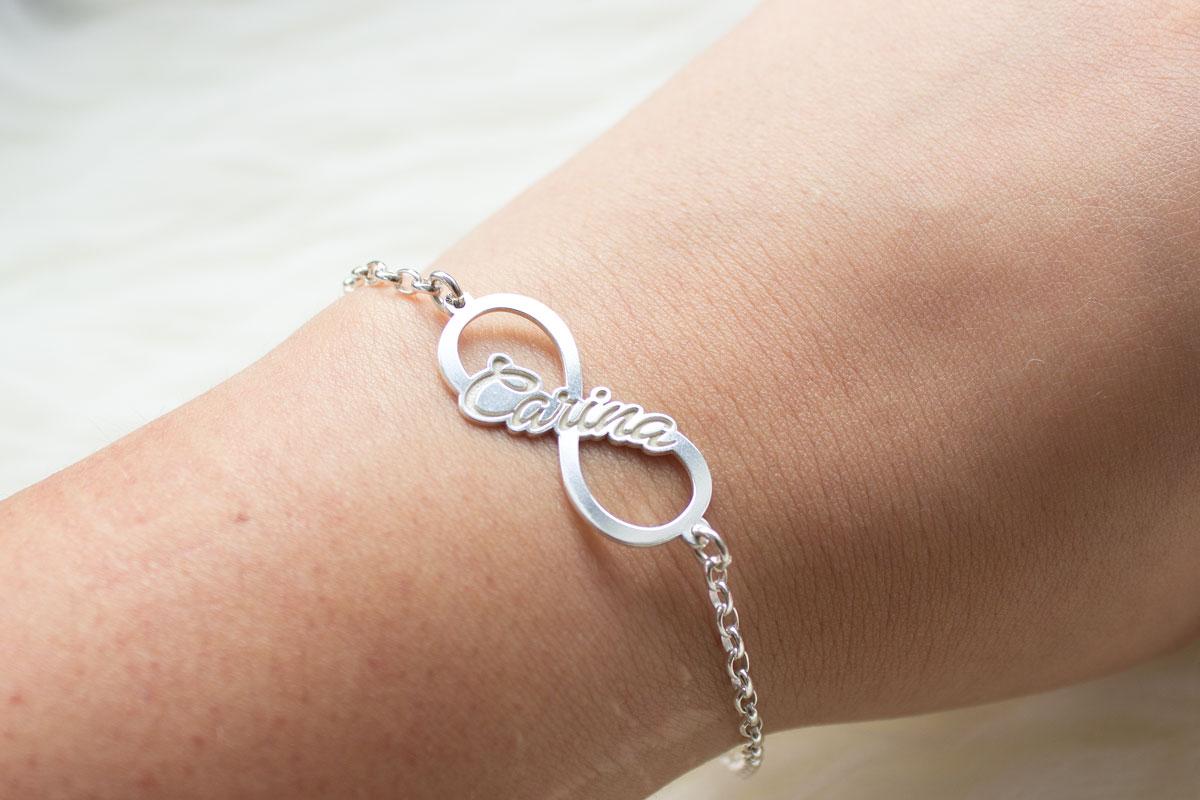 Infinity Armband mit Gravur von Namesforever